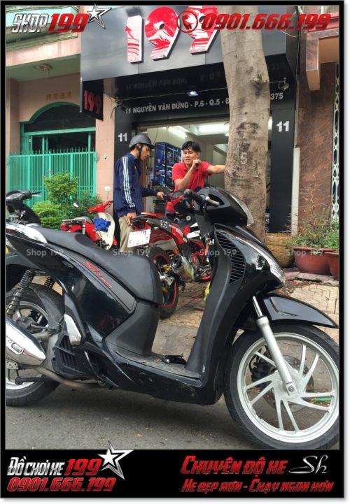 Xem hình xe SH Việt Nam 125i 150i 2016 2017 chế lên giống SH nhập Ý 150i 2010 2011 với dàn nhựa SH ngoại nhập tại Sài Gòn 1914