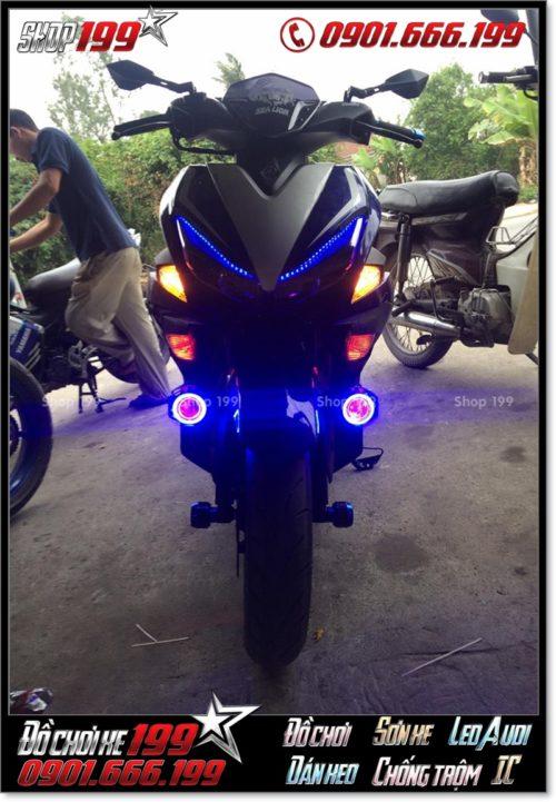 Đèn phượt U7 gắn vào phuộc trước cho xe Yamaha NVX 155 cực đẹp và sáng