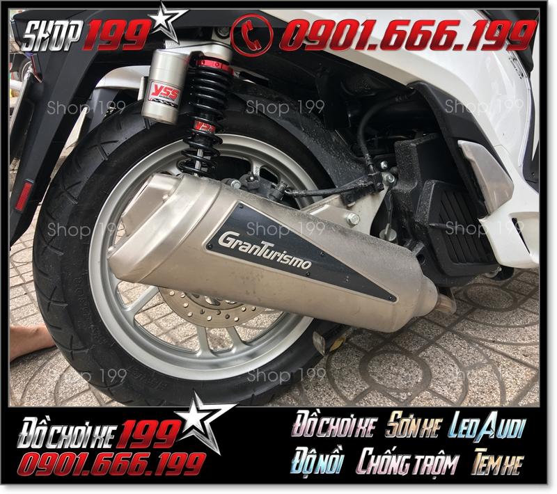Honda SH màu trắng độ pô Granturismo và phuộc YSS cực ngầu và đẹp