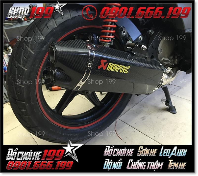 Pô Akrapovic 2 nòng màu đen cực ngầu và mạnh mẽ độ cho xe máy