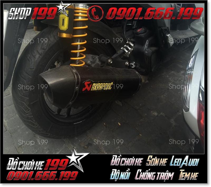 Pô Akrapovic màu đen carbon độ đẹp cho xe Honda SH