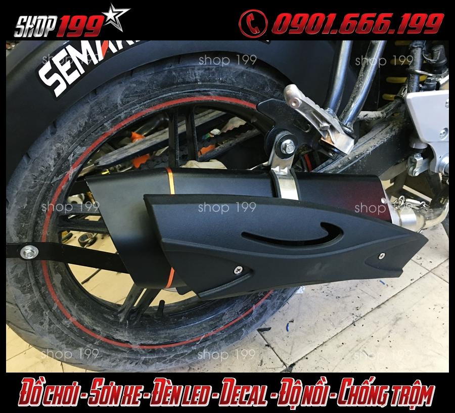 Hình ảnh cây pô R9 màu đen nhám cực đẹp và ngầu độ cho Yamaha Fz 150i