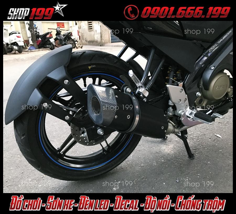 Hình ảnh Pô R9 màu đen cực ngầu độ cho xe Yamaha Fz 150i tại HCM