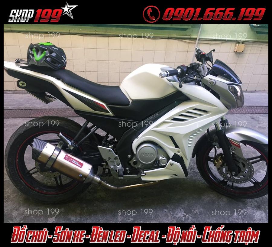 Yamaha Fz 150i độ cánh gà màu trắng, Pô R9 màu bạc cực sang và đẳng cấp