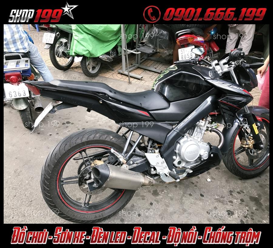 Yamaha Fz 150i màu đen độ pô Akrapovic đẹp và ngầu